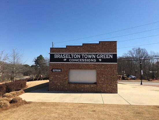 Braselton Town Green