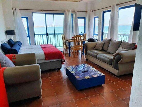 Tesrah 4 Sleeper lounge area with 2 single beds