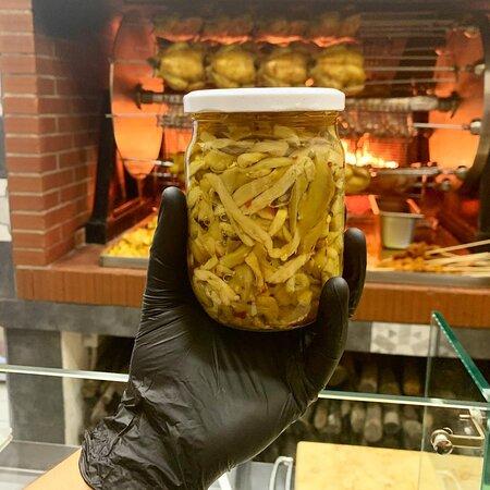 LE NOSTRE CONSERVE SOTT'OLIO 👩🏽🍳  ~ Melanzane 🍆  ~ Peperoni   ~ Funghi 🍄  ~ Salame  ~ Capocollo  ~ Prosciutto crudo  📍Piazza mercato,173 Napoli 📞 081 19501330