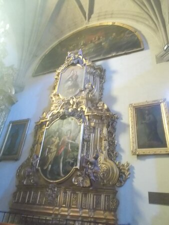 """Some beautiful medium-sized shrine (at the Cathedral's """"main part"""")"""