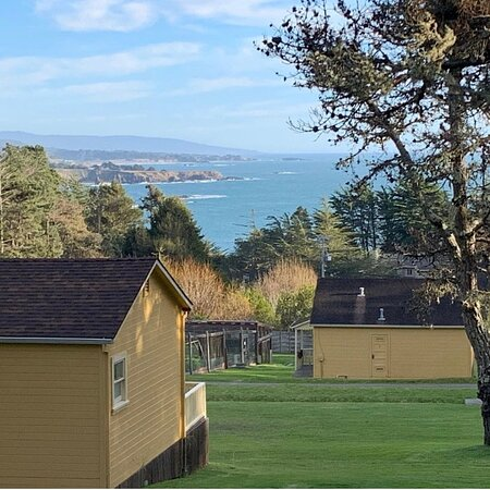 Anchor Bay, CA: The ocean view from the wedding deck behind Cottage 8.