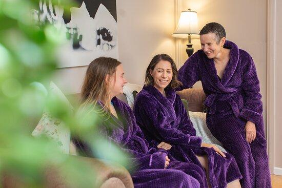 Cinergee Day Spa & Wellness Retreat