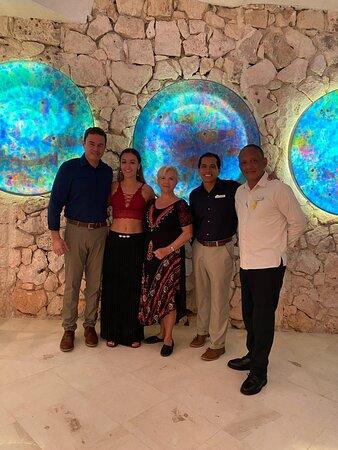 Unas maravillosas vacaciones en Cozumel  en el Grand Park Royal. Con una atención personalizada por el gerente del Hotel Javier Colorado así como el señor Joel Hernández y Javier Zainos.  De verdad que complacidas quedamos.  por personas así, es que regresamos siempre a este hermoso destino.  Muchas gracias, pronto nos veremos de nuevo.....!!!!!