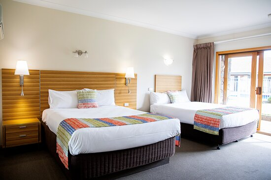 Our Queen, Queen rooms are popular for twin share, no one has to fight over the single bed! That's right, there are 2 Queen sized beds in the one room!