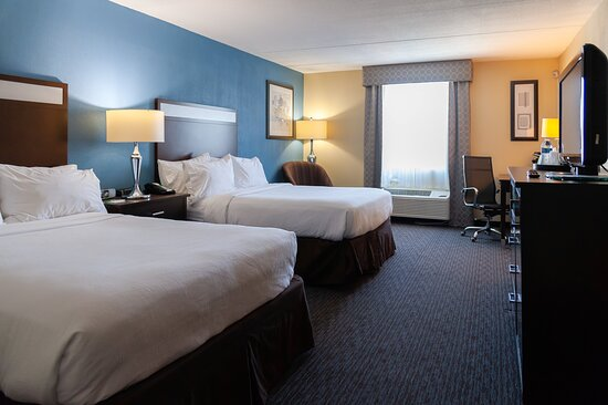 Two Double Beds at the Holiday Inn Lansdale Hatfield hotel