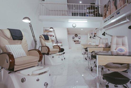 GlowUp Beauty Haus