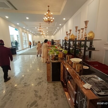 Dehradun District, India: Red Tag Catering one of the best catering in Dehradun Uttarakhand contact 9915580857 We providing best quality Catering services, Tent and Decor,Dj,Photography for wedding, pre wedding fenctions birthday party any other occasions.