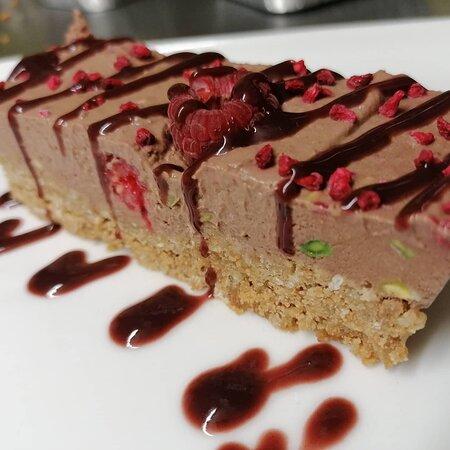 Raspberry pistachio choc cheesecake