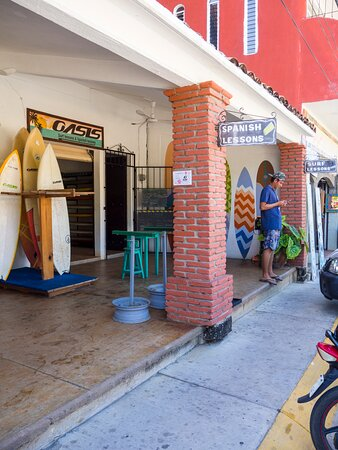 Surf Lessons in Puerto Escondido: Oasis School
