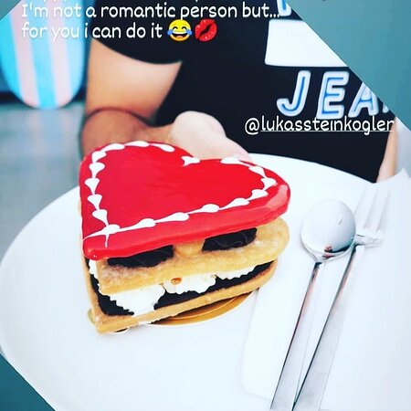 It's not too late to pick up or we will deliver your treat for your Valentine! 300 baht only at @joobjoobbakery #valentine #cake #chocolate #phuketbakery #restaurant #thaifood #cakedeliveryphuket