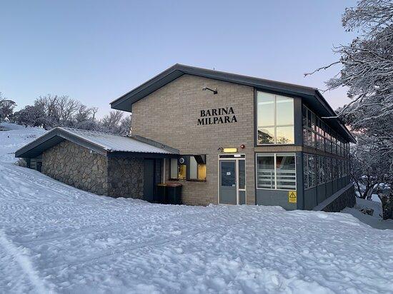 Barina Milpara Ski lodge in Winter 2020