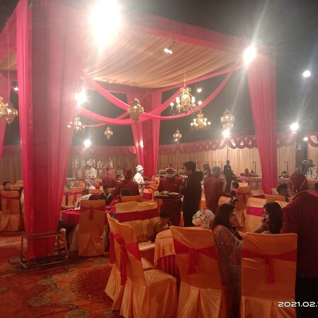 Dehradun District, Ấn Độ: Red Tag Catering one of the best catering in Dehradun Uttarakhand India contact 9915580857 We providing best quality Catering services, Tent and Decor,Dj,Photography for wedding, pre wedding fenctions birthday party any other occasions.