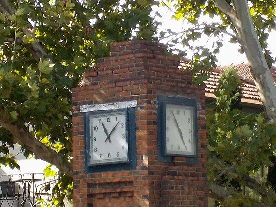 Ana Commemorative Clock