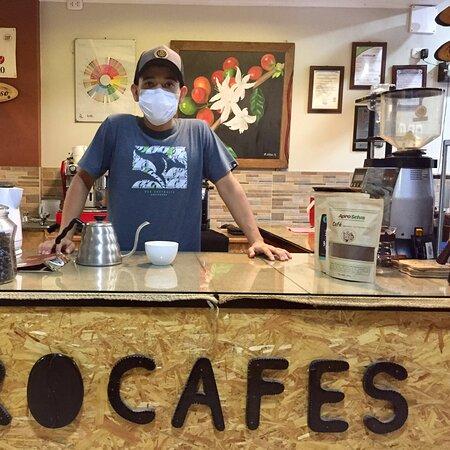 Pichanaqui, Peru: Cafetería PROCAFES un lugar donde se puede encontrar más de 40 bebidas calientes/frías a base de buen café y comida regional selvático