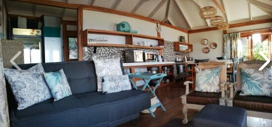 Ponta Malongane, Mozambique: 4 bedroom beach front house with pool