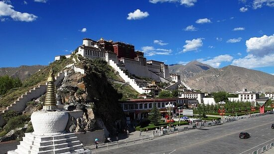 Best of the Himalayas: Nepal & Tibet Luxury Tour: Tibet Luxury Tours – Why Should You Travel To Tibet At Least Once In Your Lifetime  You can take your luxury tours of Tibet at the best time when there is no rain and the weather is relatively mild and ideal for touring and trekking. Visit here: https://bit.ly/3pkICG1