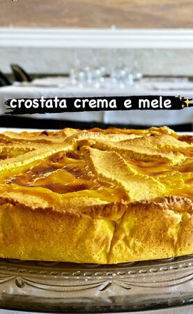 Fiumicino, Italy: Crostata crema e mele fatta in casa