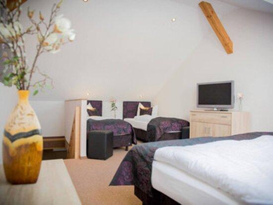 Nauen, Γερμανία: Suite - Schlafbereich