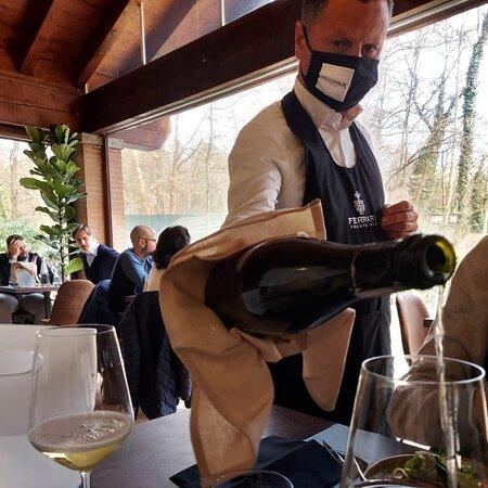 Macherio, Italy: Luogo incantevole risto enoteca top