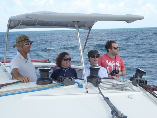 Γουαδελούπη: Les stagiaires sont aux commandes, la mer est belle tout se passe bien