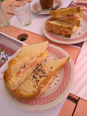 tostado en pan blanco
