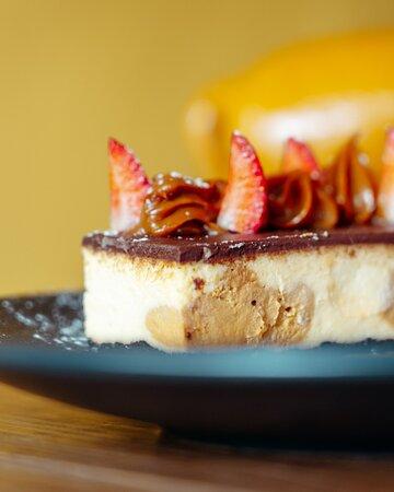 Este clima es perfecto para un café y nuestro Cheese Cake de dulce de leche. Te esperamos en Savora.