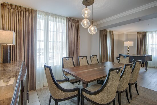 The Presidential Suite - Dining Area
