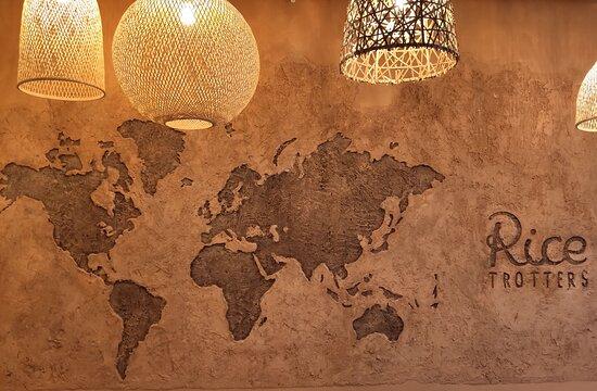 La carte du monde faite à la main.