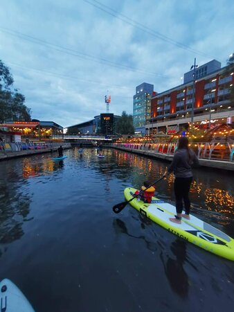 Evening SUP Experience - Paddle through the Oracle Shopping Centre