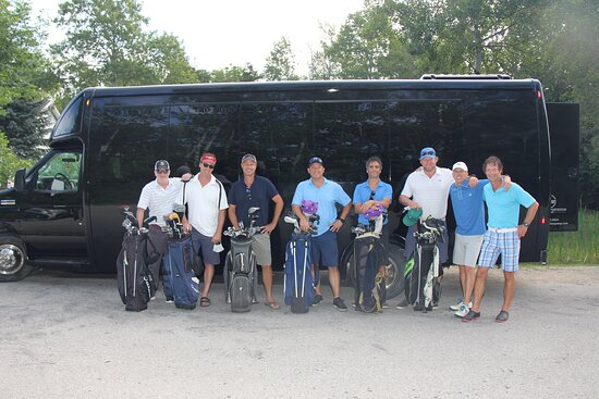 Collingwood, Canada : Golf Shuttle Bus