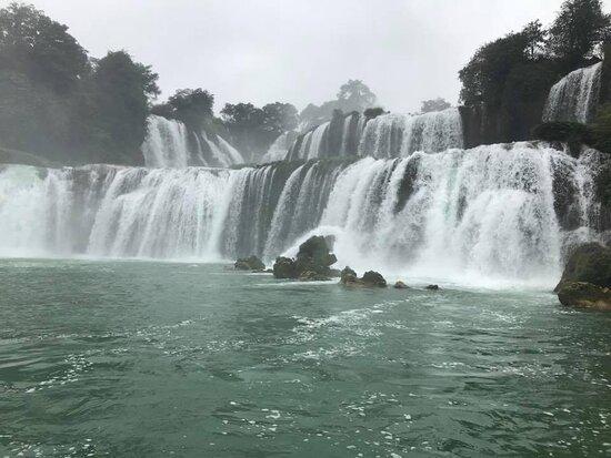 Mountain To Beach Loop In Unexplored Northeast Of Vietnam 5 Days: Wodospad Ban Gioc, Wietnam 