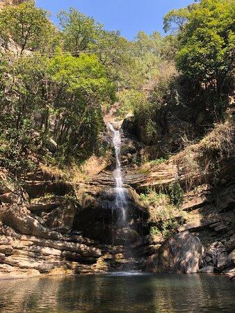 Mukteshwar, India: Bhalugad waterfalls in February