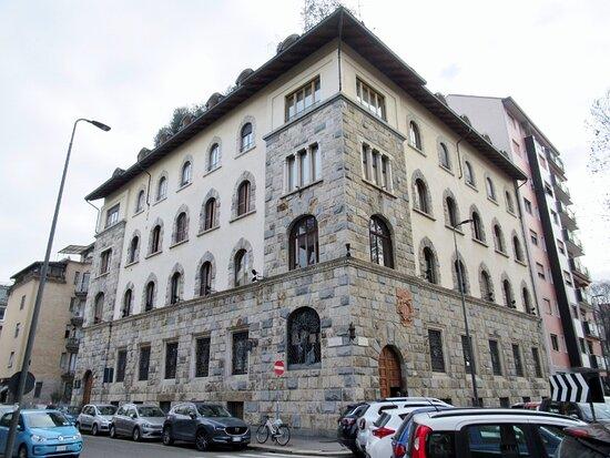 Vista complessiva del palazzo