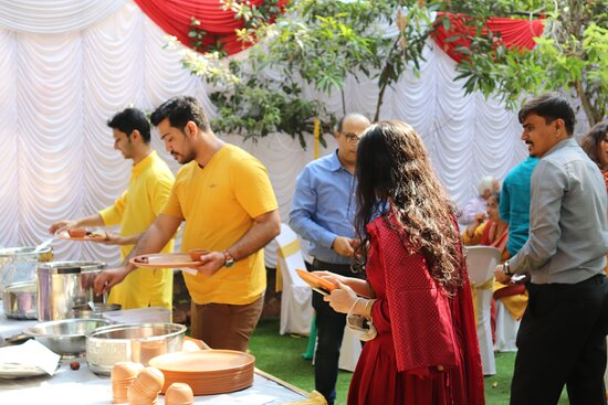 Thane District, الهند: MALHOTRA CATERERS ALL TYPES OF EVENTS  9819108071 WWW.MALHOTRACATERERS.COM