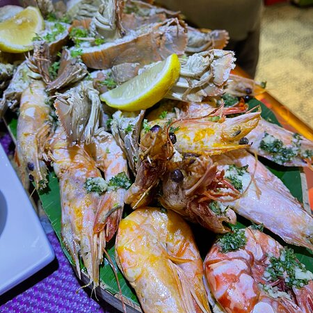 Delicious seafood in a cosy restaurant