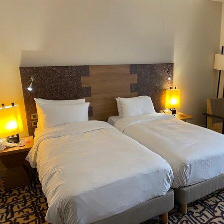 Hôtel correct il n'est pas Parfait, mais il reste propre personnel agréable accueillant aimable.