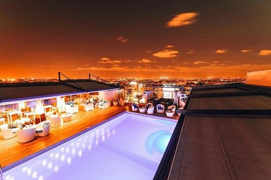 ROOFTOP BY NIGHT