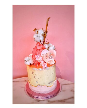 Brenda's exclusive cake