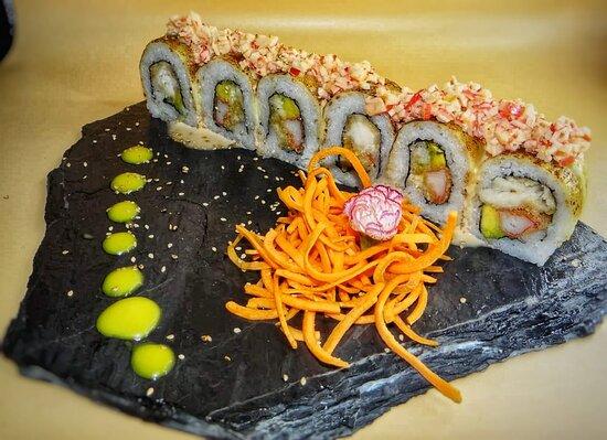 Delicioso Rollo de 12 Bocados sabor Ikazanzai