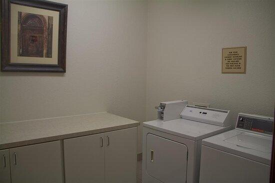 Tolleson, AZ: Guest Laundry