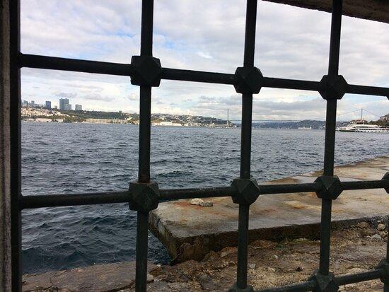 Istanbul, Turkey: Şemsi Paşa Camii - Üsküdar