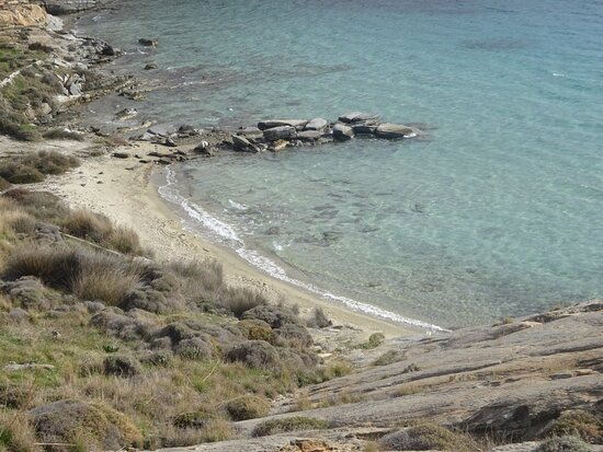 Perikopetra Beach
