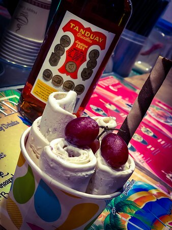 local rhum and grapes ice cream