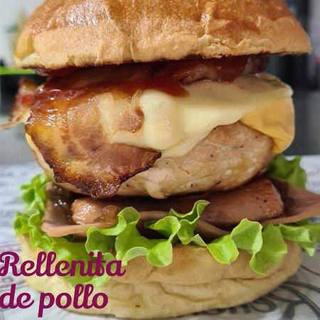 Maicao, Colombie : Rellenita de pollo 240 gr de exquisita carne de pollo, rellena de cebolla grille con tocineta, queso cr
