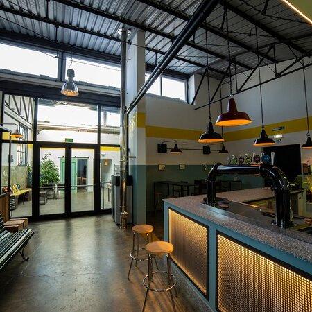 Porcia, Italy: Naon beer pub