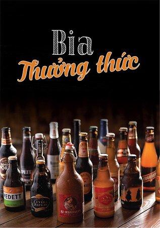 Nhà hàng cung cấp hàng trăm loại bia ngon được nhập từ các nơi trên thế giới.