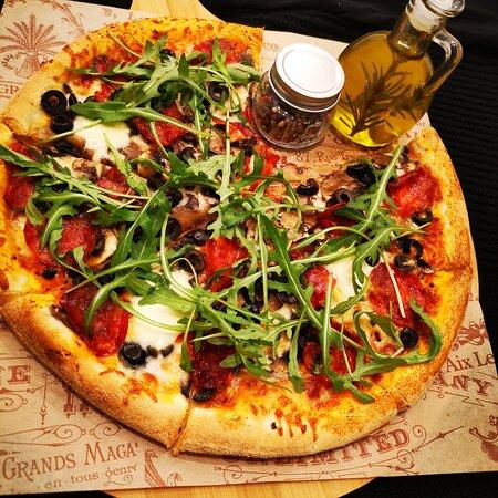 Italy's taste in Săcele! Pizza Napoletana