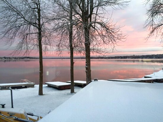 Ennismore, Canada: Chemong Lake from The Sippin Dip Restaurant