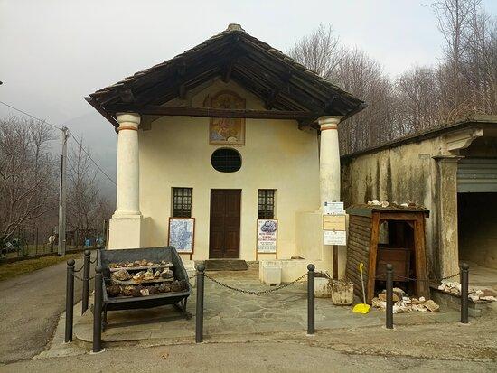 Brosso, Italy: Mostra minerali