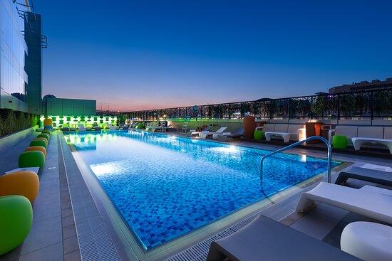 Studio MArabian Plaza Lap Pool